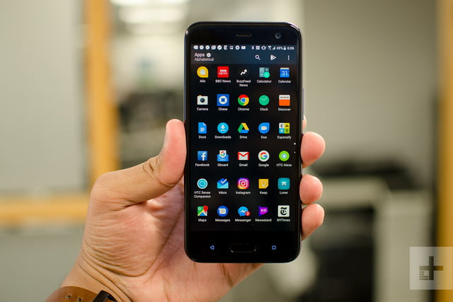 HTC U11 Life review apps