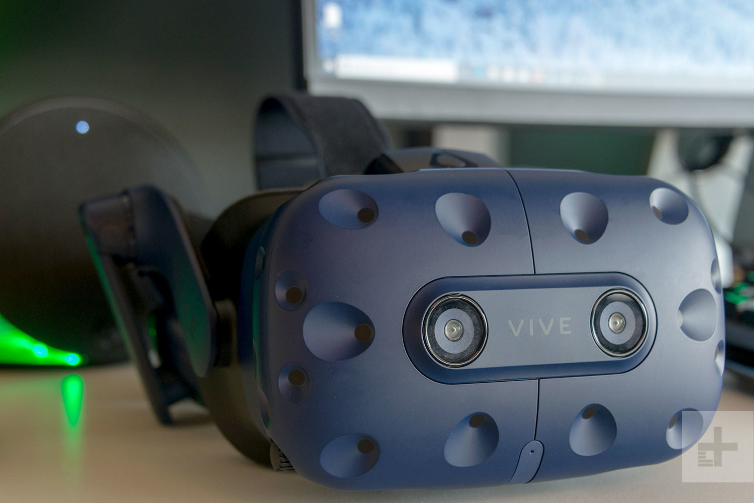 73a51ee1f9fa HTC Vive vs. Vive Pro  Battle of the Best VR Headsets