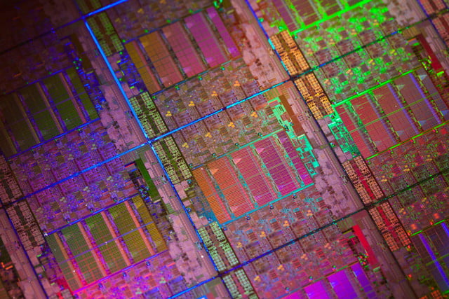 evidence emerges for intel core i  skylake x processors xeon silicon