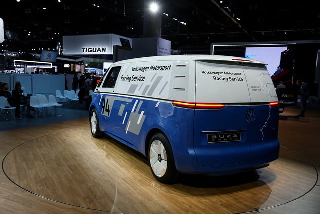 volkswagen id buzz cargo will report for delivery duty in 2022 mb vw carg race 4