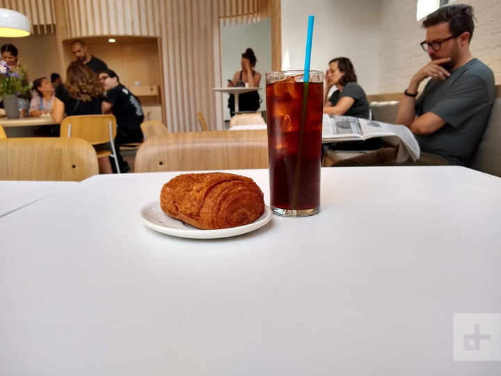 Moto G6 Food and Drink