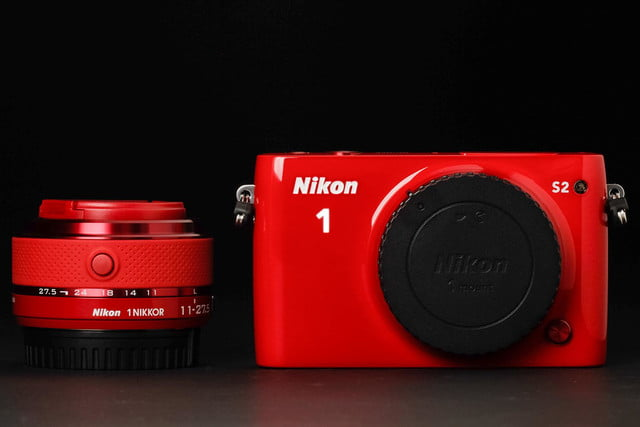 Nikon 1 S2 front and lens