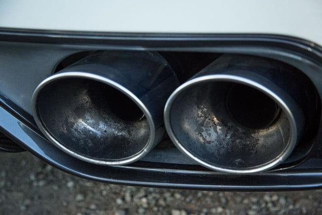 Nissan GT R tailpipe