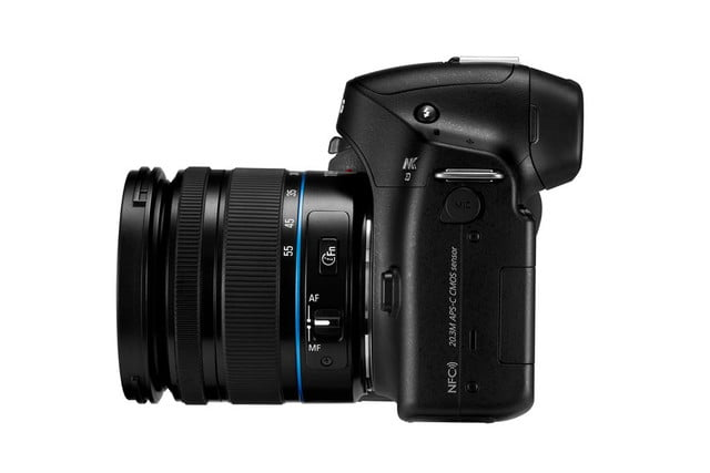 samsung announces nx30 and 18 55mm 4