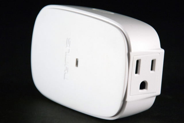 Nyrius Smart Outlet bottom