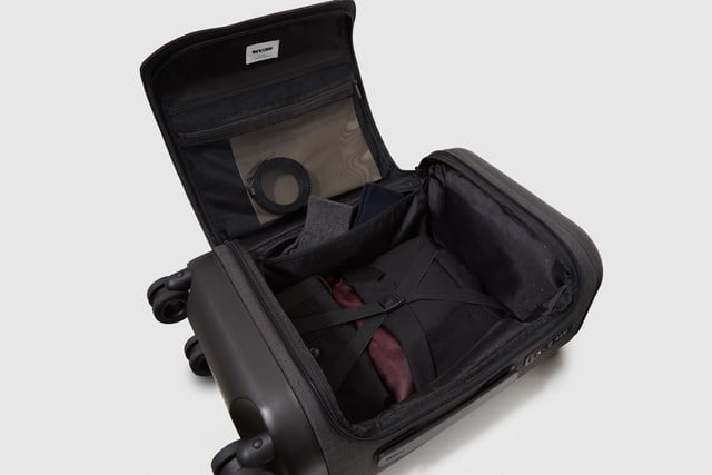 incase proconnected 4 wheel hubless roller smart luggage blends high design with large capacity battery studio0474