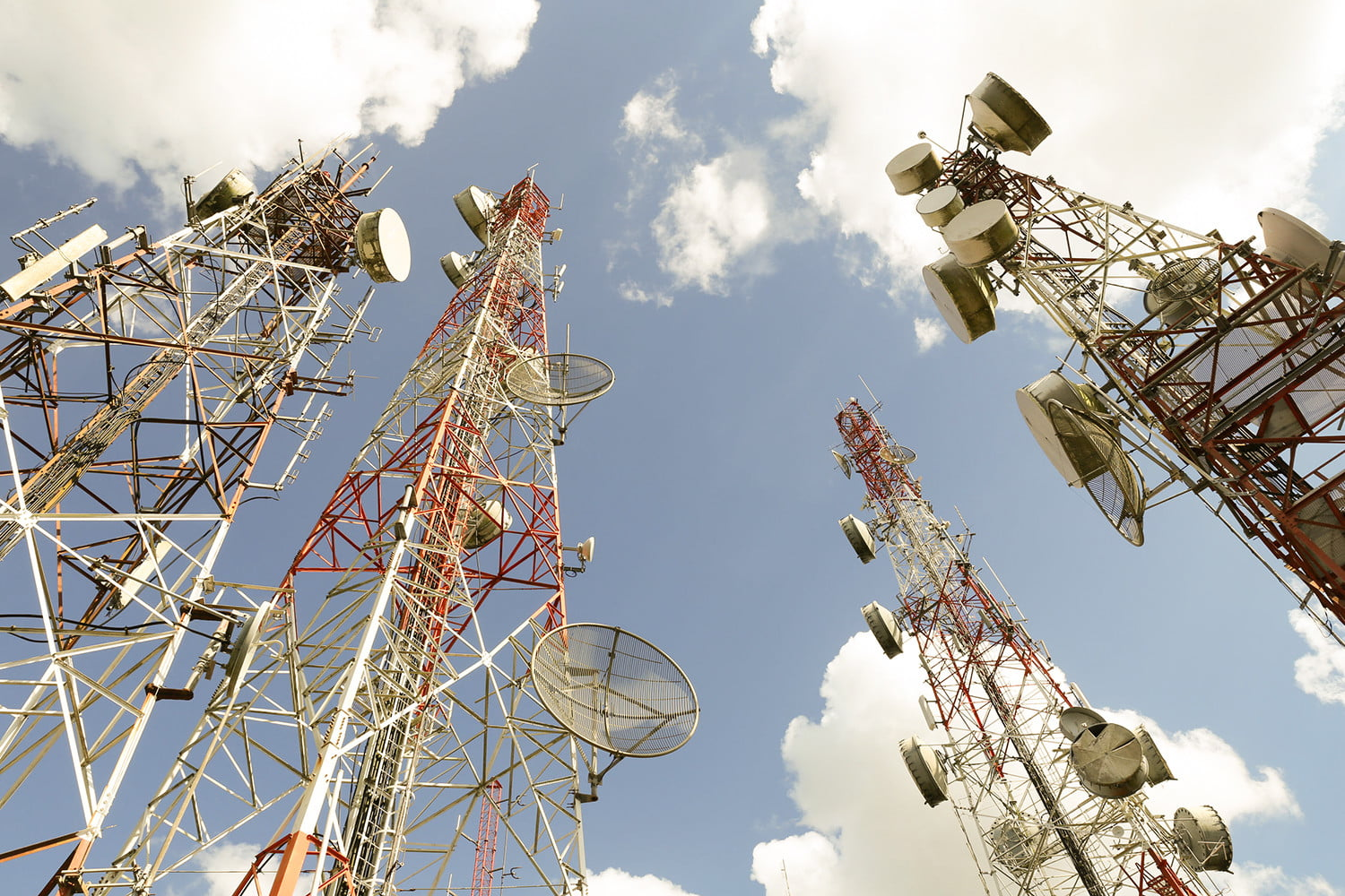 """7db6309aa1e fm radio in smartphones cell towers. """""""