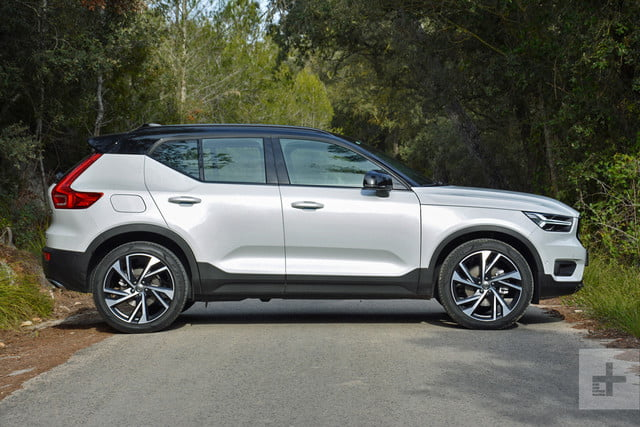2019 Volvo XC40 first drive review profile