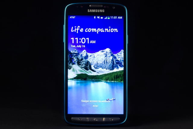 Samsung Galaxy S4 Active review front screen on lock screen
