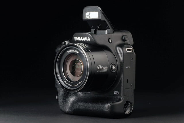 Samsung WB2200F flash open front angle