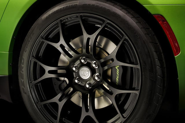 SRT Viper Stryker green wheel