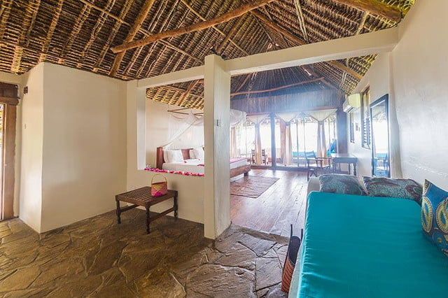 retreat from society and relax in these idyllic cabins around the world manta resort 4