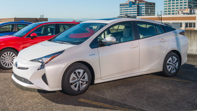 2016 car awards toyota prius alt energy