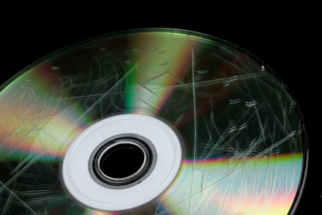 how to clean a cd disk