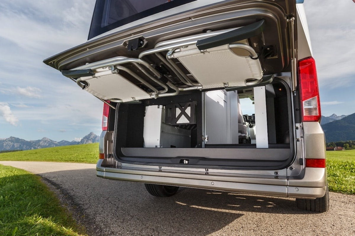 the volkswagen california xxl could be the ultimate camper van digital trends. Black Bedroom Furniture Sets. Home Design Ideas