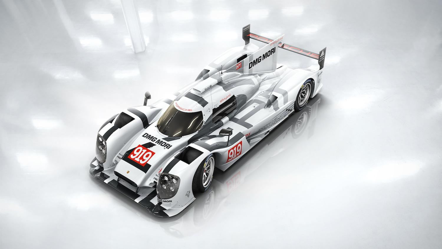 2015 porsche 919 hybrid begins testing for 2015 le mans digital trends. Black Bedroom Furniture Sets. Home Design Ideas