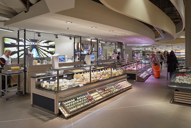 best airports for layovers z  rich airport shopping dining 1